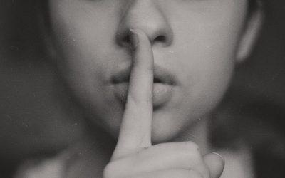 Verbreek de stilte.